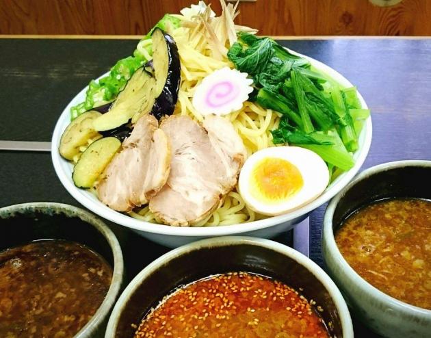 フジテレビみんなのニュースで紹介された山の日イベントで大人気の1キロのつけ麺「丹沢盛り」