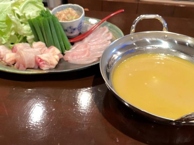 秦野ではあまりない水炊き鍋ぜひ一度お試しください。