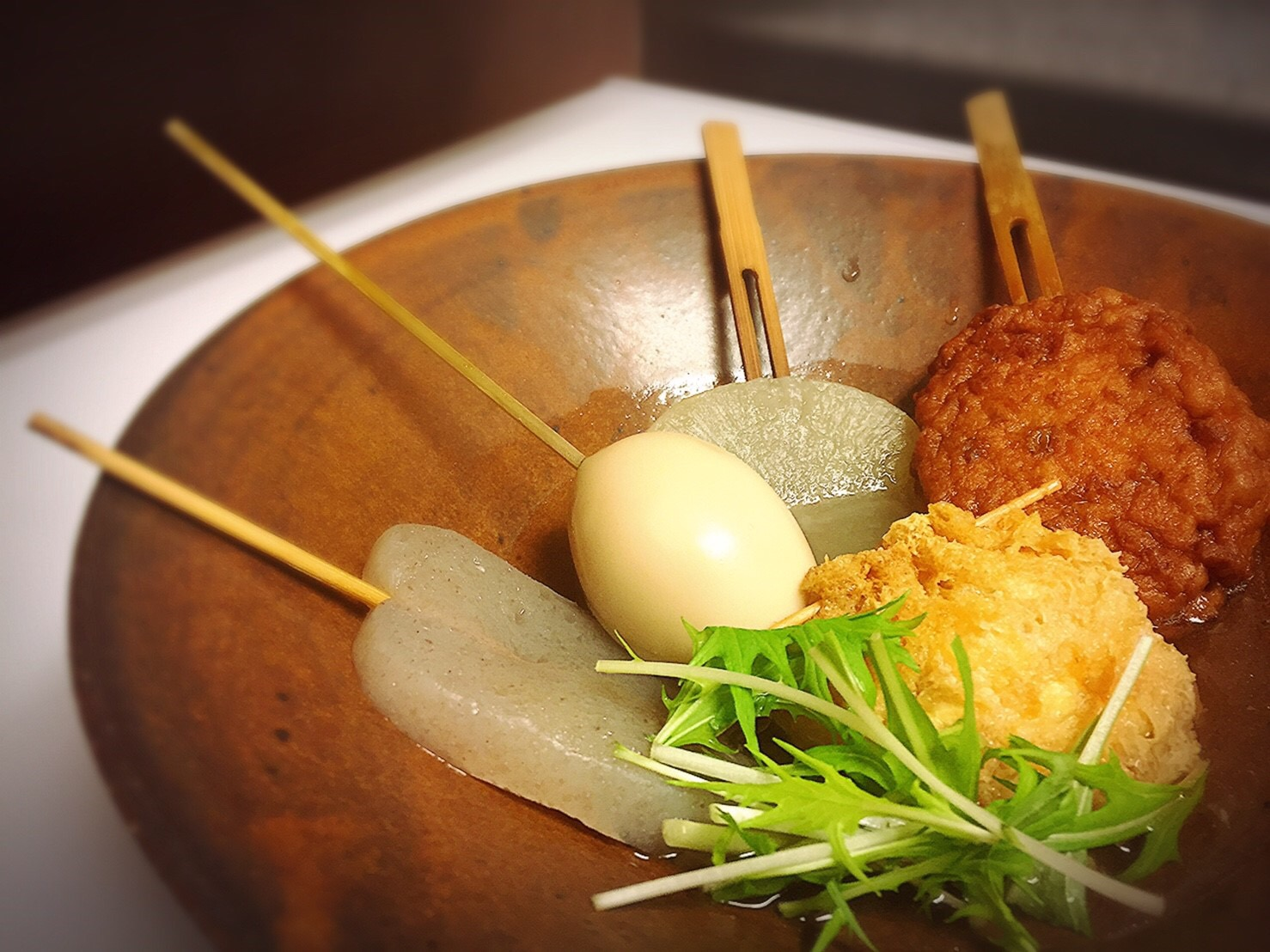 夜メニュー名物の丹沢串炊きおでん